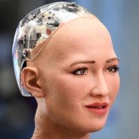 Le robot Sophia, le premier à recevoir la citoyenneté d'un état