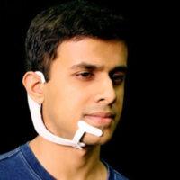 Des casques bizarres qui vous permettent de communiquer sans parler